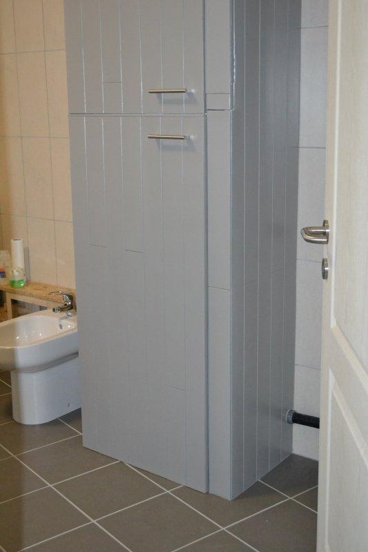 Шкаф в ванной комнате. 023