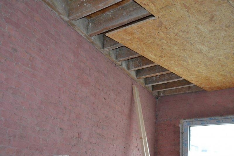 Ремонт в спальне 2. Потолок 007