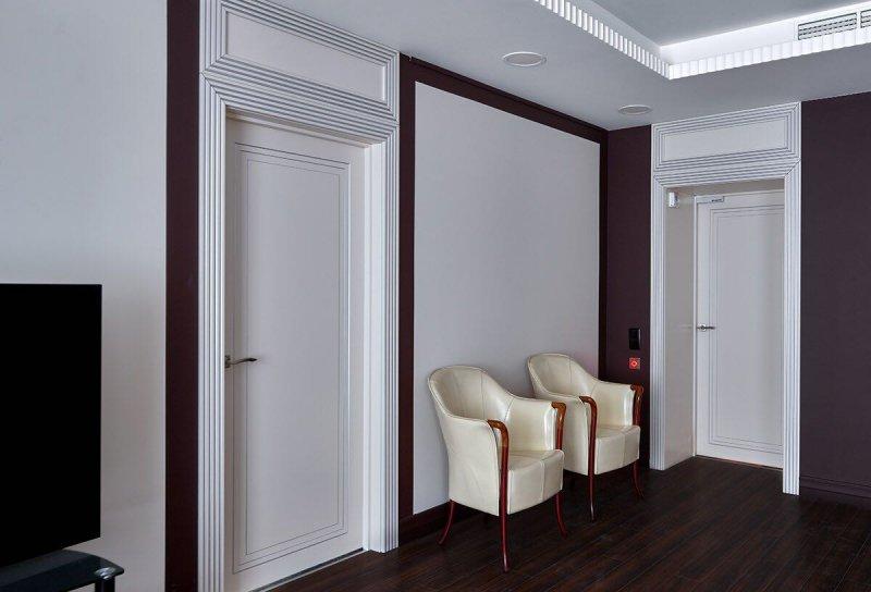 Фото белых межкомнатных дверей стиль модерн в коридор от Роял Интерни