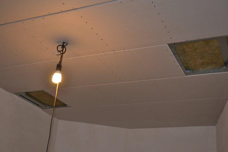 Ремонт в спальне 2. Потолок 030
