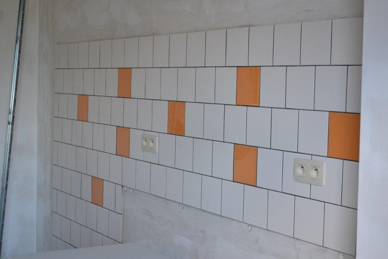 Ремонт кухни. Стены, пол, электрика. 050д