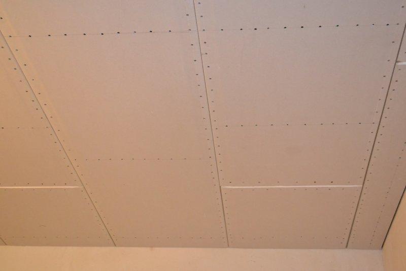 Ремонт спальни 1. Потолок 051