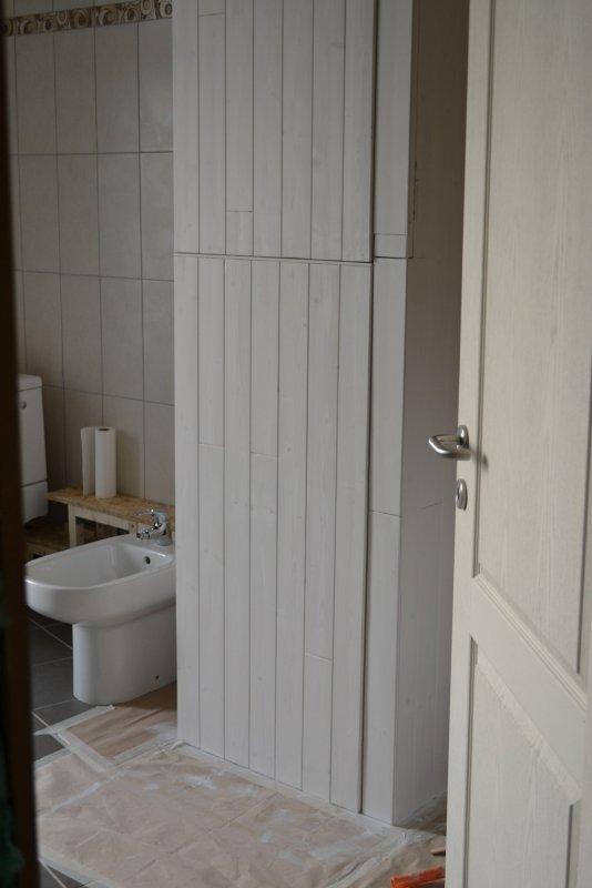 Шкаф в ванной комнате. 013