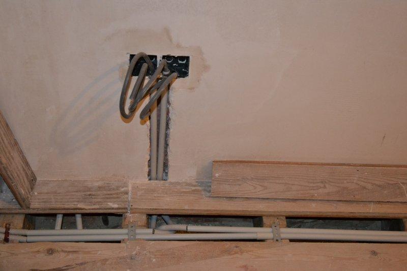 Ремонт спальни  1. Стены, пол, электрика. 039