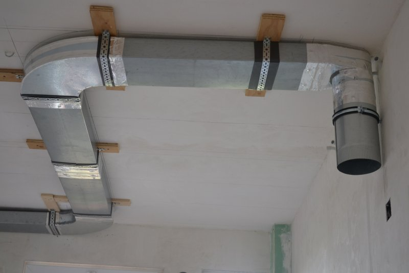 вентиляция для кухонной вытяжки 037