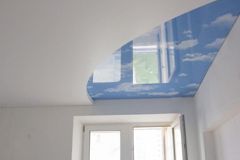 Двухуровневый натяжной потолок с фотопечатью в детской