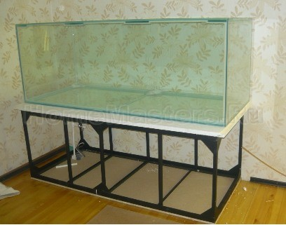 Тумбочка под аквариум своим руками