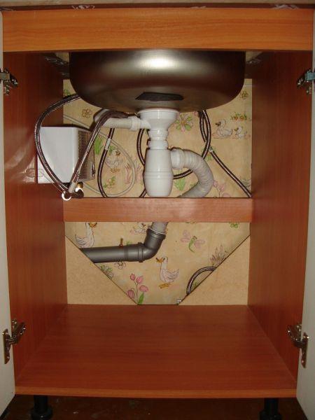 Горячая вода на кухне частного дома 2 - Размер 223,35К, Загружен: 35