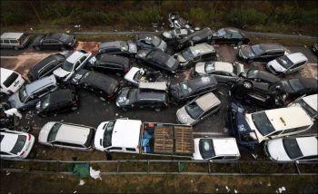 1321825369_autobahn-collision-01 - Размер 104,78К, Загружен: 0