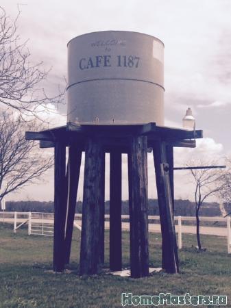 water-tower-turn-here - Размер 24,19К, Загружен: 0