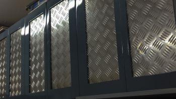 Гараж: Дверцы для навесных шкафов