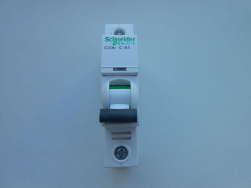 Автоматический выключатель 2 - Размер 91,19К, Загружен: 0
