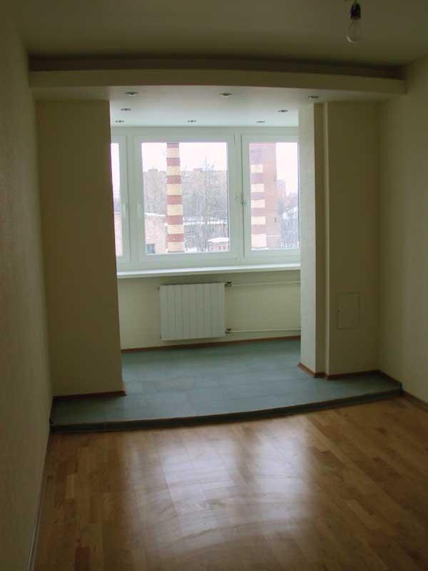 Обединять ли балкон с комнатой? ремонт и строительство школа.