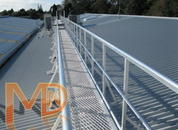 Перфорированный (Антискользящий) переходной мостик на крыше