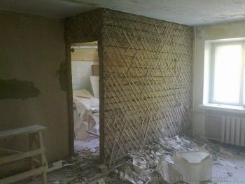 Демонтаж деревянных стен