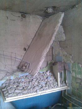Тещин ремонт (часть #4 - ломаем крышу сантехкабинки).