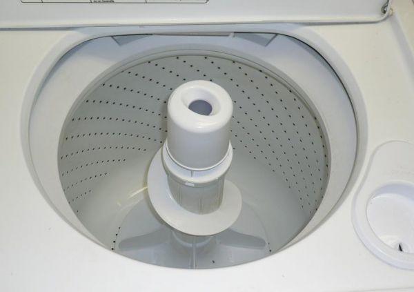 примерный вид первых полуавтоматических стиральных машин.JPG