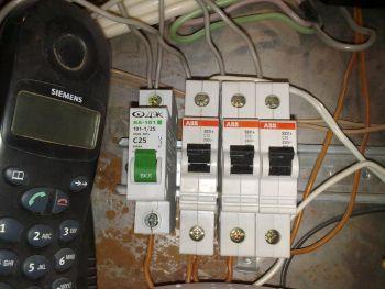 Неправильный автомат (электрика)