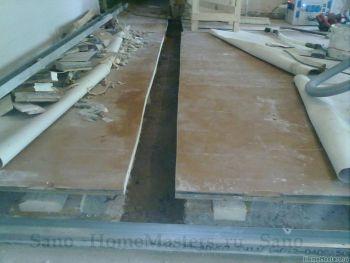 Перегородка ГКЛ и деревянный пол