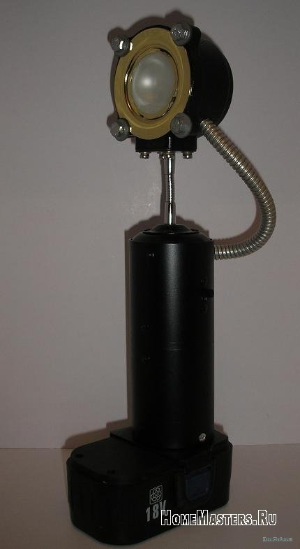 001-fonar-izgotovlen-na-osnove-akkumulyatornyh-batarei-ot-shurupoverta-sgorevshego.jpg
