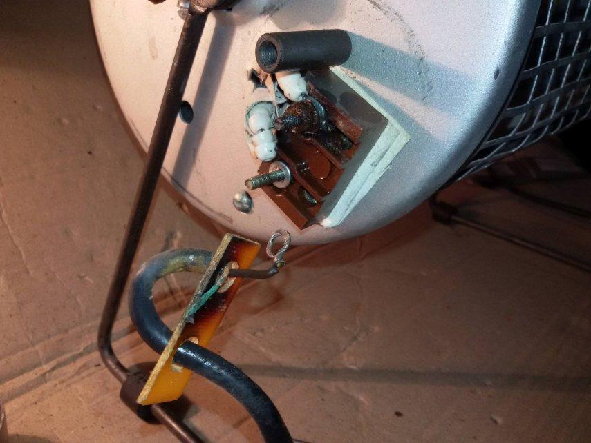 14 ремонт электрокамина.jpg
