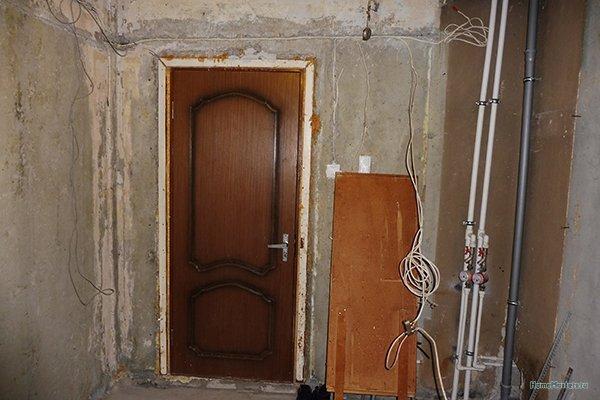 Где поставить электрический щиток в коридоре