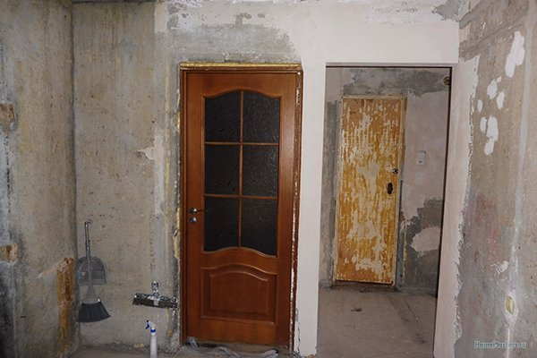 Коридор.Дверь.в.зал.03.уменьшен.размер.jpg