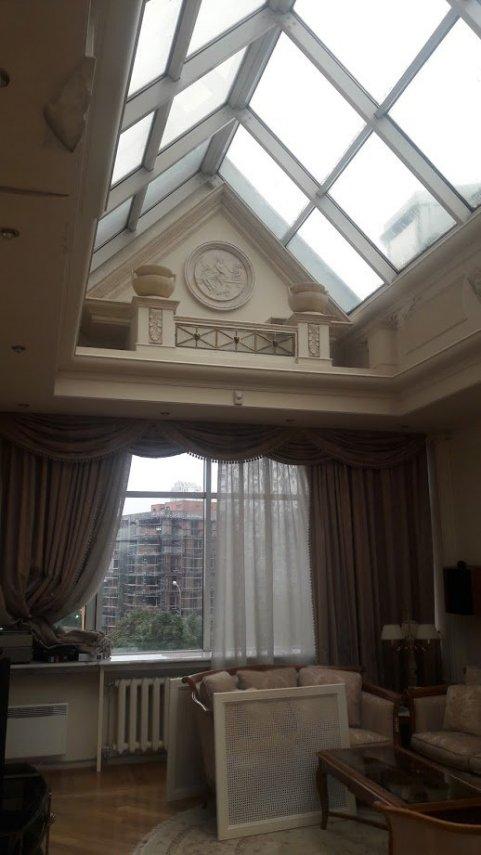 Стеклянный потолок.jpg